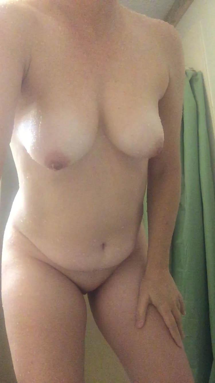 Duscha nakna och hångla...