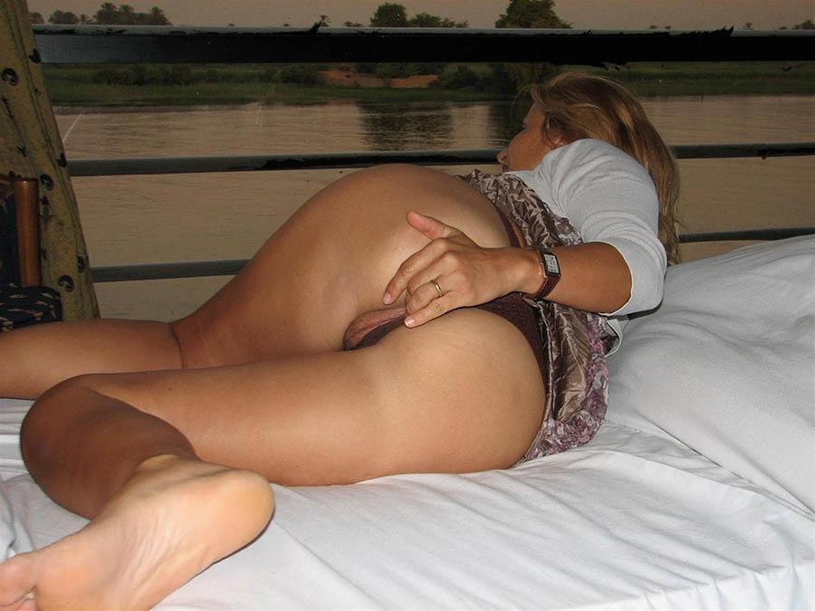 Affärskvinna med stressigt liv söker lugnet i sex
